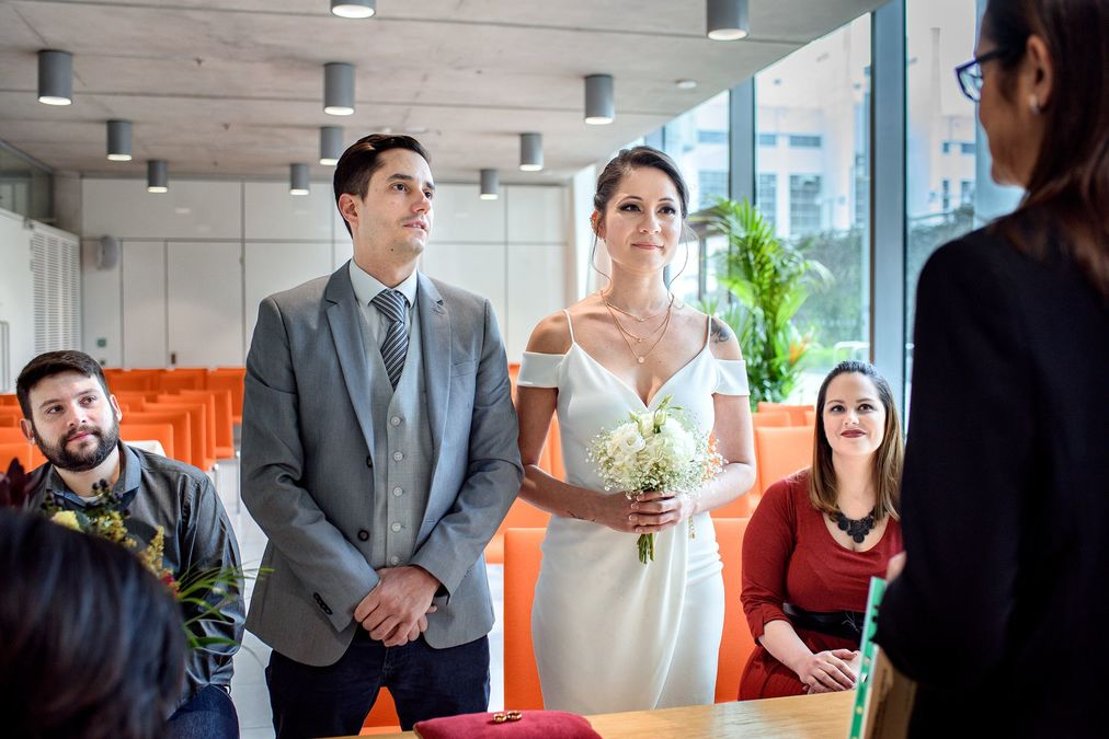 beautiful intimate wedding ceremony at Brent Civic Centre Registry