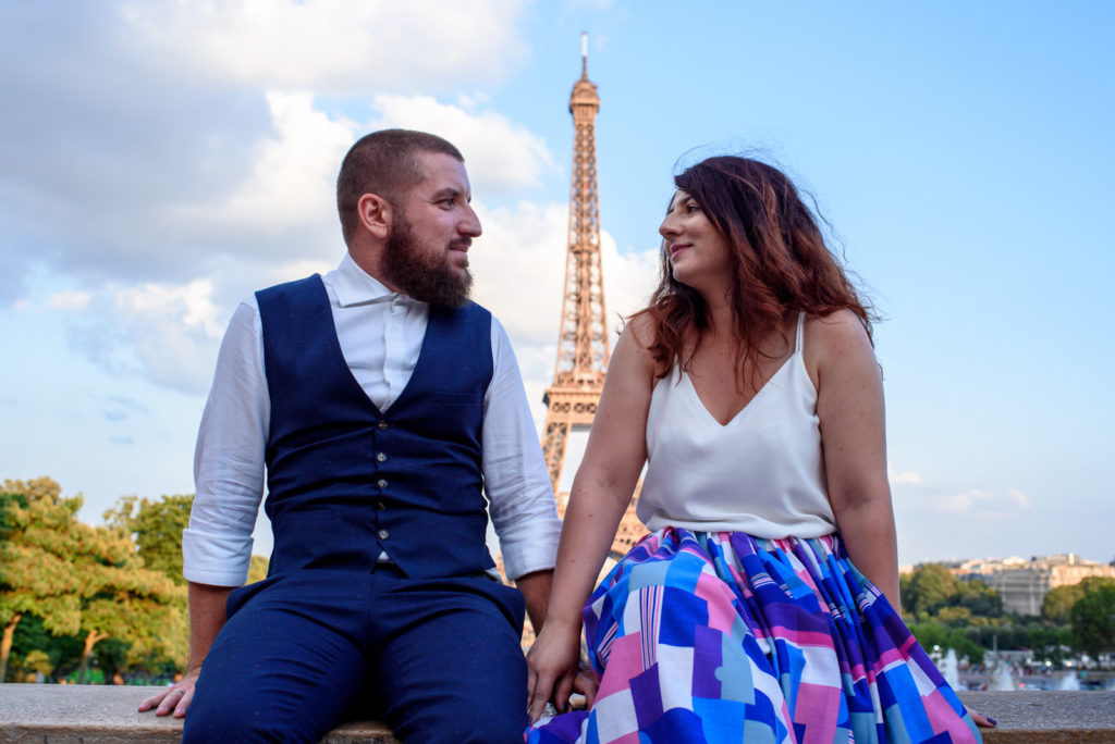 couple photo shoot in Paris with Eiffel Tower