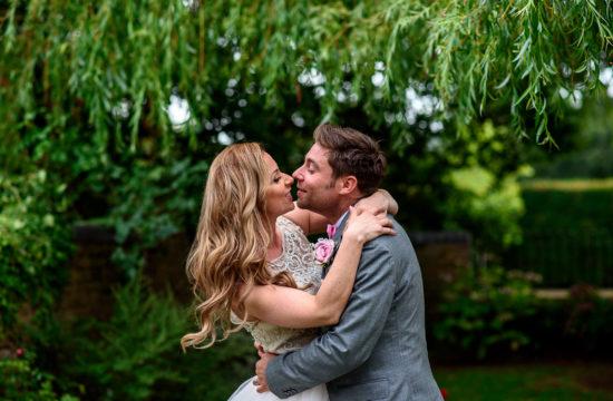 couple photo shoot at oaks farm wedding venue