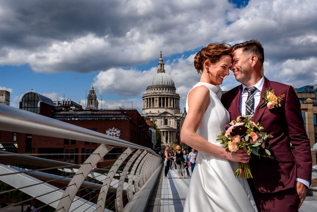 wedding photos with view of St Paul's Cathedral