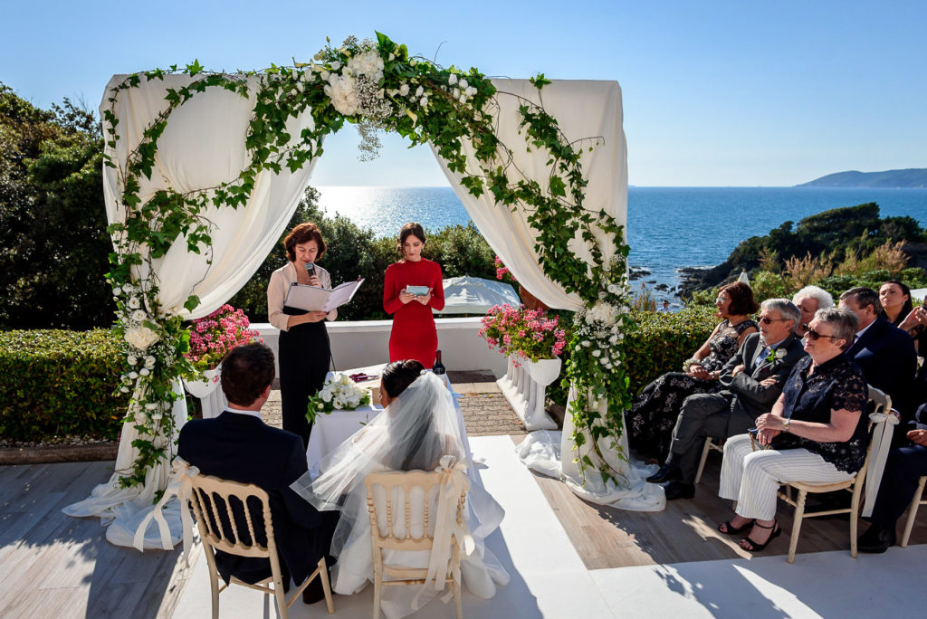 Beach Wedding ceremony at Villa Parisi in Castiglioncello