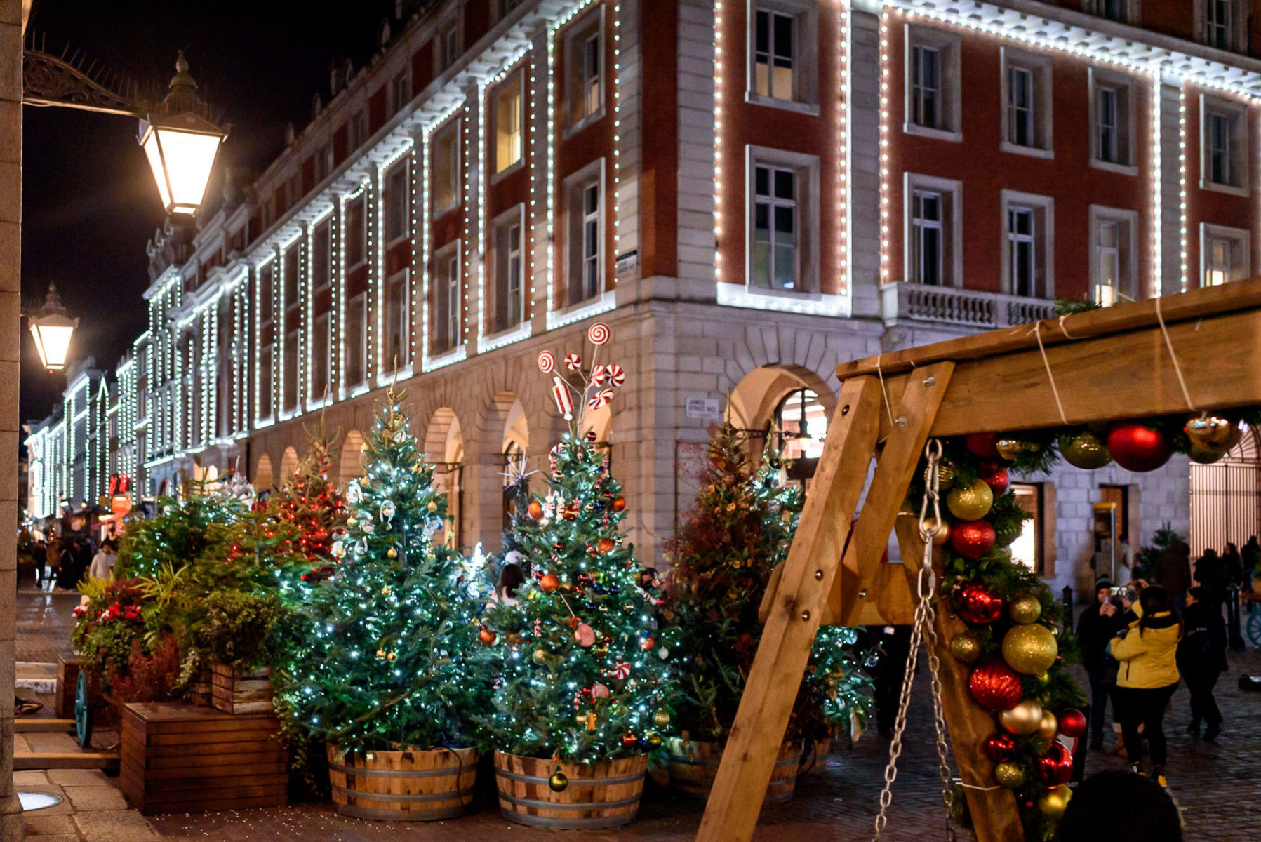 covent garden christmas market with fairy lights